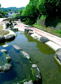 17新町めがね橋横公園s.jpg